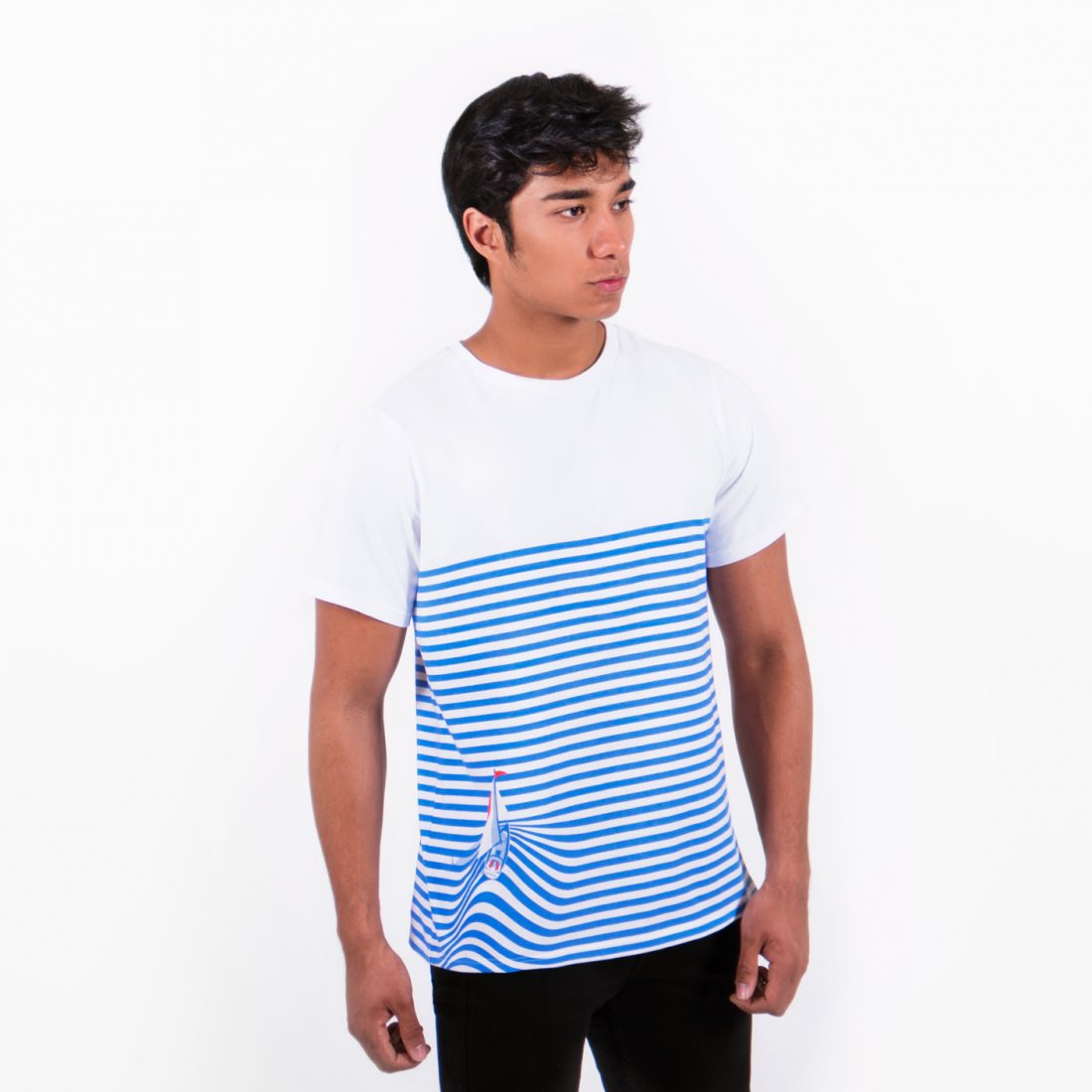 Sail Away T-shirt by La Come Di