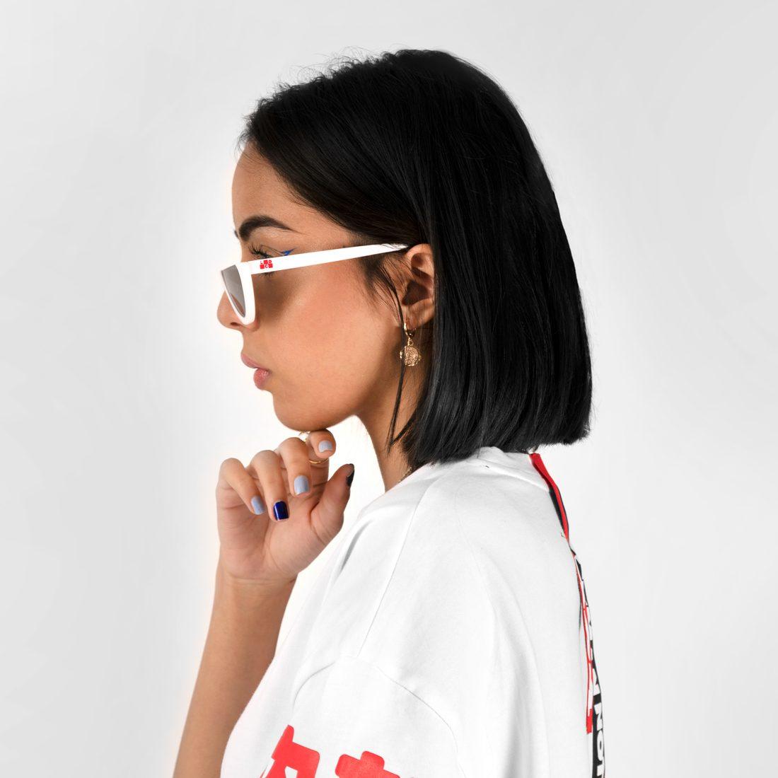 W_whiteglasses2